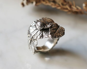 PETITE FILLE Handmade Jewelry Slow Snail & Leaf Sterling Silver Ring