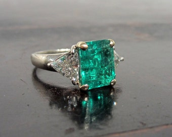 Incredible Emerald Engagement Ring with Trillion Cut Diamonds 18k, Vintage Engagement Ring, Emerald Cut, Vintage Emerald Ring