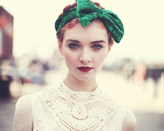 Emerald Green Velvet Bow Headband, St Patrick's Day Accessory, Velvet Headband, Fall Accessories