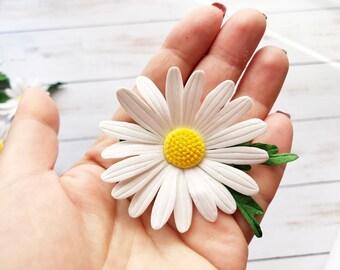 Daisy Flower Brooch Realistic Flower Camomile Pin Summer White Flower Jewelry Wedding Flower Brooch Daisy Flower Pin White Bridal Brooch