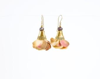 Petal Earrings in Yellow/Pink