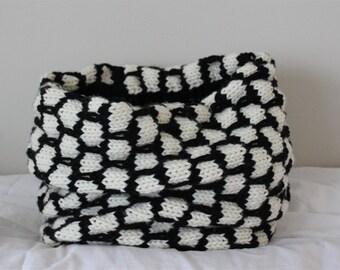 KNITTING PATTERN- Black and White Cowl knitting pattern PDF