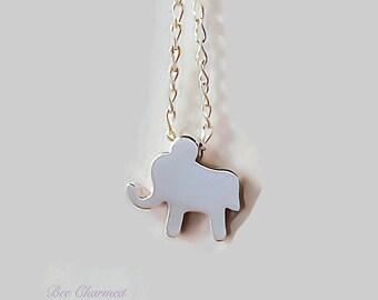 Silver elephant necklace/ elephant necklace/ elephants charm/ animal necklace/ tiny elephant