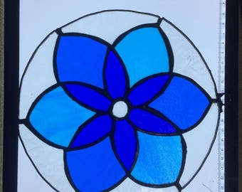 Round Geometric Blue Flower