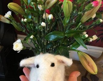 Sheep. Needle felted sheep. Felt animal. Ornament. Animal lover gift. Miniature. Fibre art