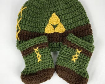 Baby Legend of zelda link boots, crochet baby shoes, You Choose, baby booties or hat or both, newborn , 0-3 month, 3-6 month, crochet hat