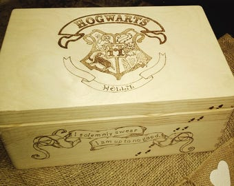 Large wood memor/keepsake box Hogwarts/ Harry potter,engraved, unique, personalised wishes and dreams