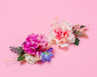 Maurelle Peony Daisy and Berry Corsage