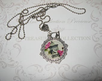 Necklace Vintage Cabochon and lace Medallion