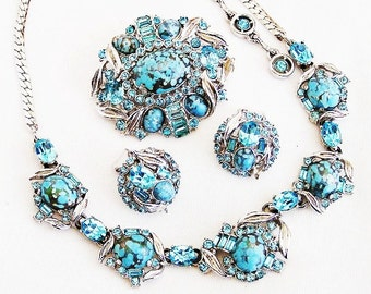 Hollycraft Aqua Necklace Brooch and Earrings