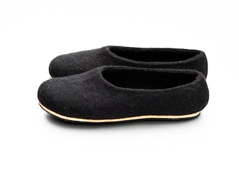 Felt wool slippers Women home shoes Black Natural wool felt slippers Winter wedding valentines gift for her