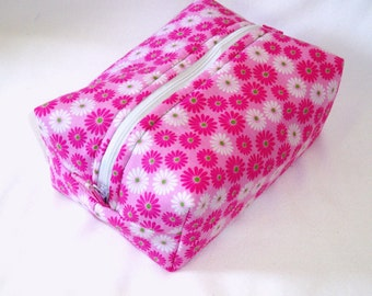 Floral Makeup Bag, Boxy Bag, Cosmetic Bag, Zipper Pouch, Toiletry Bag, Pink, Green, Flowers, Purse Oraganizer, Travel Bag