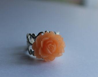 Baroque filligrane cabochon flower ring