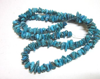 """SALE beads Turquoise blue chips 4"""" strand"""