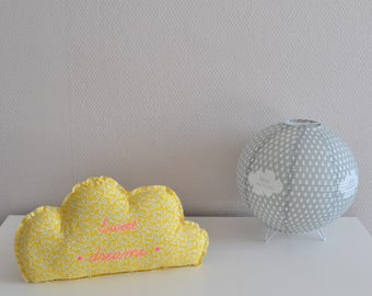 Decorative yellow and white cloud