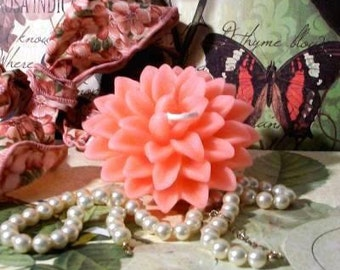 Beeswax Pink Mum Dahlia Flower Candle