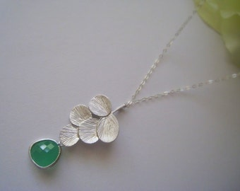 Silver Leaf and Green Jade Lariat Necklace in STERLING SILVER CHAIN--Perfect Gift, gift for mom gift for friends, Birthday Present for her.
