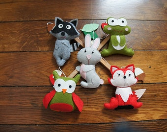Mobile in felt for baby forest animals