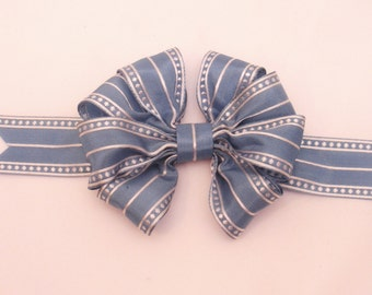 Wedgewood Blue and White Wasp Waist Bow