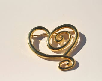 Gold Scroll Heart Brooch