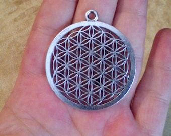 Silver Sacred geometry flower of life pendant. Silver plated flower of life pendant. Bohemian jewelry. 40mm charm.