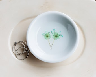 Queen Anne's Lace Ring Dish, Jewelry Dish, Teal Green Ring Dish, Ceramic Dish, Porcelain Ring Holder