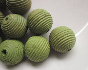 12 Vintage Wooden Beads, Olive Green, Grooved Striped Design, 15mm Round