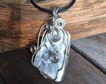 Sea Pottery Necklace, sea china Jewelry, broken china jewelry, Wire Wrapped sea pottery Gray Floral sea potterypendant, sea glass necklace