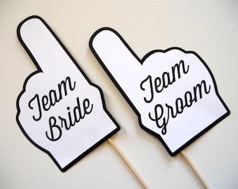 Team-Braut und Team Bräutigam Finger Photo Booth Requisiten. Hochzeit Photo Booth Requisiten. Braut und Bräutigam Team Team. Schwarz und weiß. 2er Set