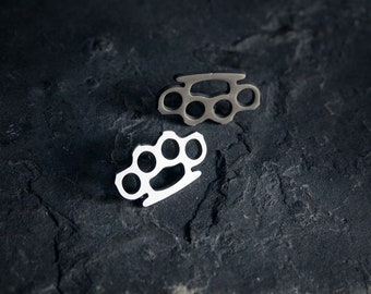 Knuckle duster PIN