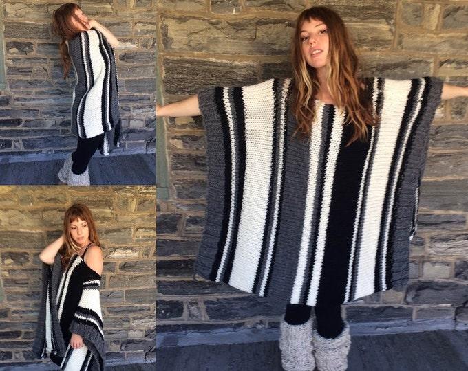 plus size sweater/  OVERSIZE PONCHO/ oversize sweater plus size poncho/ knit  poncho/ knit sweater/ boho poncho/ womens sweater