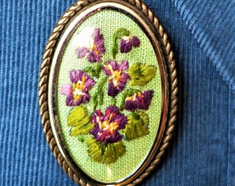 Vintage embroidered violets brooch from the 1950s