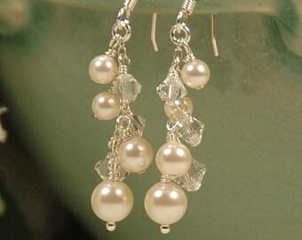 Pearl and Clear Crystal Earrings, Dangle Pearl Earring, Swarovski in Sterling Silver, Bridesmaid or Bridal Earring, Shimmery Pearl Earrings