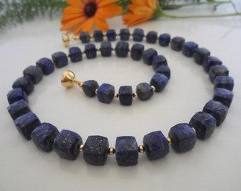 Lapislazulikette & Gold, gemstone necklace