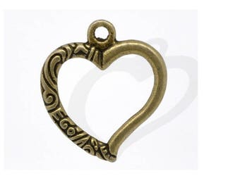 Set of 10 bronze 25 mm x 22 mm carved hearts charms