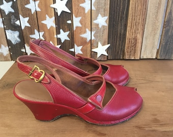 Vintage 40s Wedge Sandals  Shoes RED Slingbacks 5 Peep Toe 1940s Wedge Vintage 50s Shoes clothing 5 half 6 wwii ww2 Era Pin Up Summer