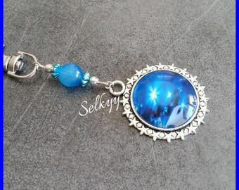 Abstract blue and white image Keychain, round glass dome cabochon er support Silver Star
