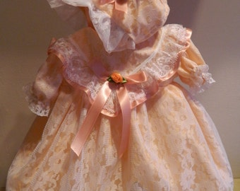 Reborn/Newborn/silcone doll Baby dress+ bonnet in  white  lace and   peach  polycotton/reborn dolls clothes baby homecoming Valentines day