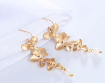 Orchid Earrings, Gift for Mom, Flower Earrings, Orchid Jewelry, Wedding Earrings, Bridesmaid Gift, Mom, Valentines Gift, Bridesmaid Earrings