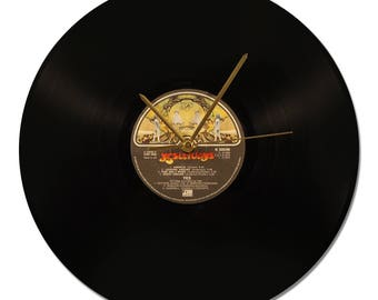 "YES ""Yesterdays"" 33tours Vinyl clock."