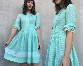 Vtg 60s MINT DRESS Ruffle Sleeves Pale Green with White Lace Trim Fit and Flare 3/4 Sleeves Button Front Bows Lightweight Summer Dress Small