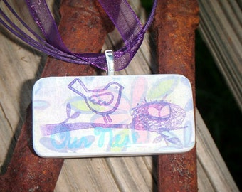 SALE PRICED***Hey Chick Domino Pendant featuring a mommy bird and her nest 1422