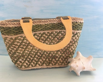 Woven Bag, Straw Handbag, Wood Handles, Summer Purse, Vintage Bahama Bag, Green Beige