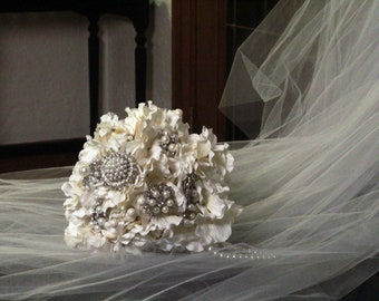 Gatsby Lace Brooch Bouqet