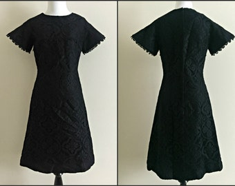 1950's Vintage Black Lace Cocktail Wiggle Dress / Size 4 Small / Pava Design