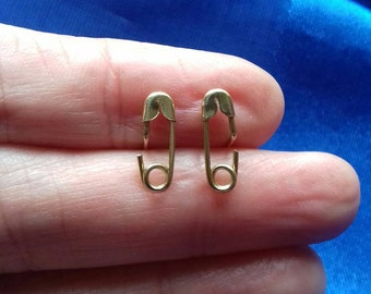 Superb 9ct gold tiny safety pin earrings
