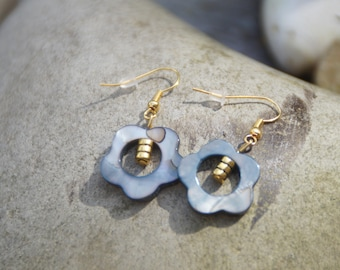 Mother of Pearl flower earrings and gold bead