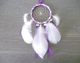 Dream catcher (dreamcatcher) purple and white in feathers and beads