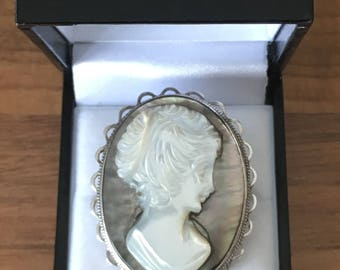 Vintage Hallmarked Silver & Mother Of Pearl Cameo Brooch 10.3gr B'gham 1975
