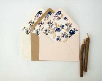blue floral lined envelopes / rustic floral envelope liners (sets of 10) // wedding envelopes / envelope liner